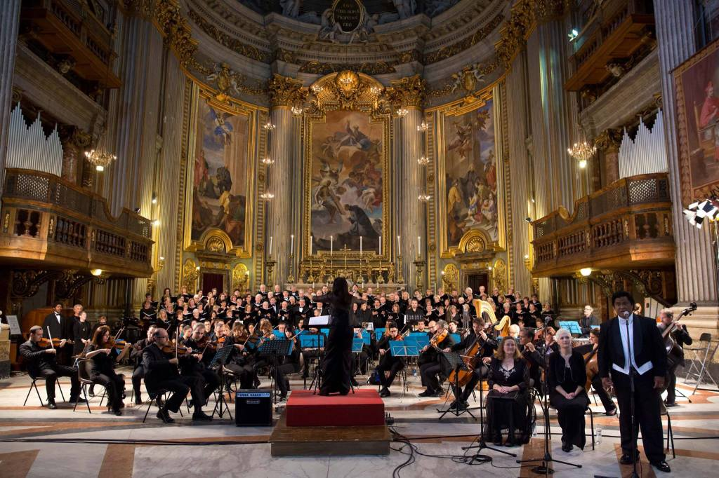 DO AS THE ROMANS DO – Dr. Teresa Russell conducts the SWC Concert Choir along with the Roma Sinfonetta Orchestra at the Saint Ignatius Basilica in Rome on Oct. 26. Courtesy Photo